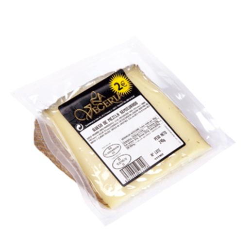 LA VECERIA queso semicurado cuña 210 g